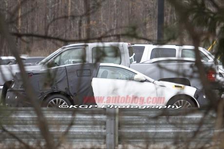 Fotos espía del Cadillac CTS Coupé, ¡sin manetillas de puertas!