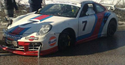 car_crash_porsche_997_gt2_martini_edition_crashed_in_finland_01