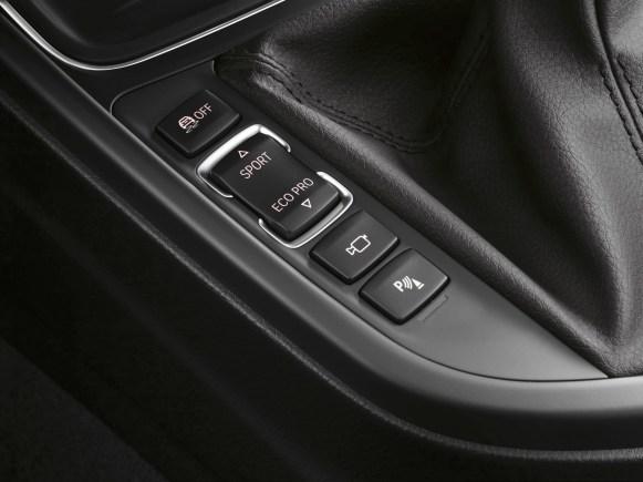 BMW Serie 3 F30: equipamiento, motorizaciones y galería