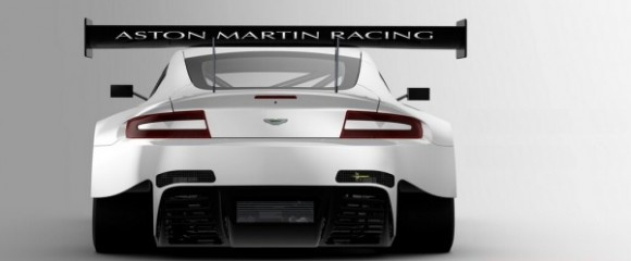 El Aston Martin V12 Vantage GT3 estira las piernas