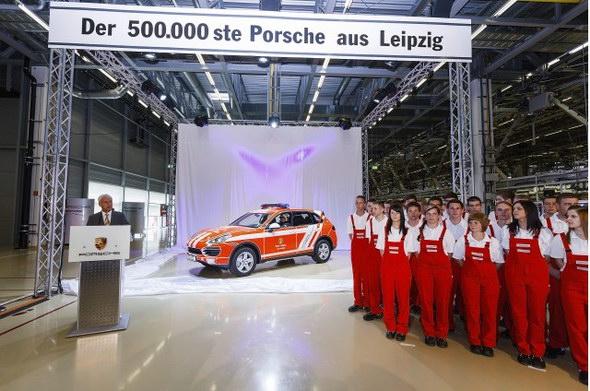 El Porsche Cayenne 500.000 de Leipzig es un coche de bomberos