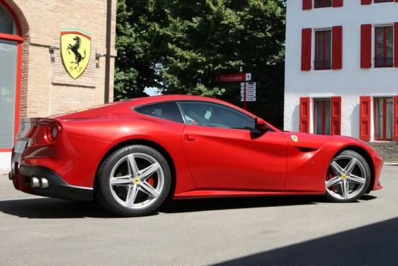Ferrari F12berlinetta, nuevas fotos y vídeos