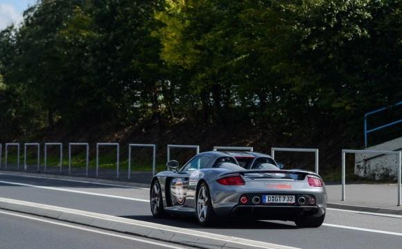 Un Porsche Carrera GT sufre una mala experiencia en Nürburgring