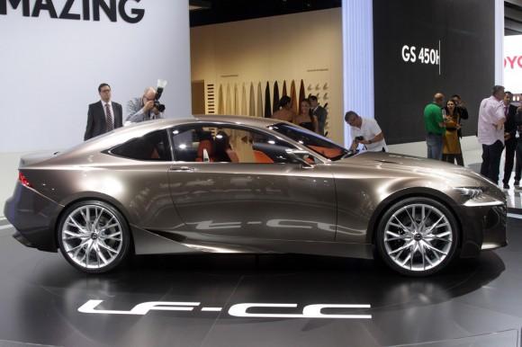 París 2012: Lexus LF-CC Concept