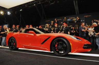 Barret-Jackson vende la primera unidad del Corvette Stingray