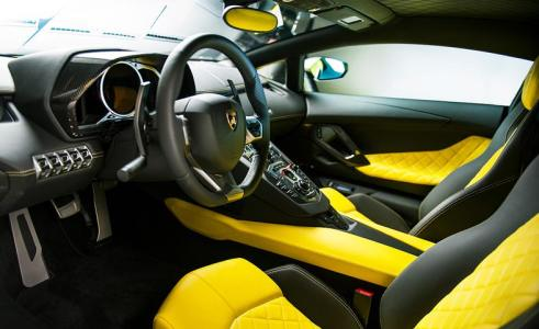 2014-lamborghini-aventador-lp720-4-50-anniversario-interior-photo-512525-s-787x481