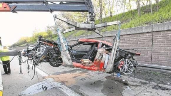 Accidente de un Ferrari F430 Scuderia a 300 km/h