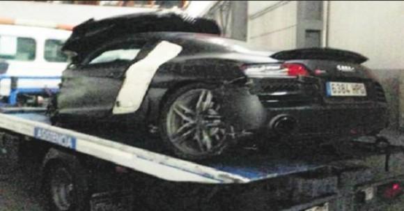 Alexis Sánchez estrella su Audi R8