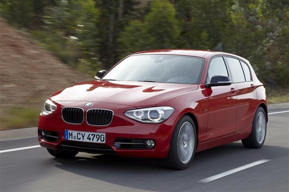 El BMW Serie 2 sedán, en el aire