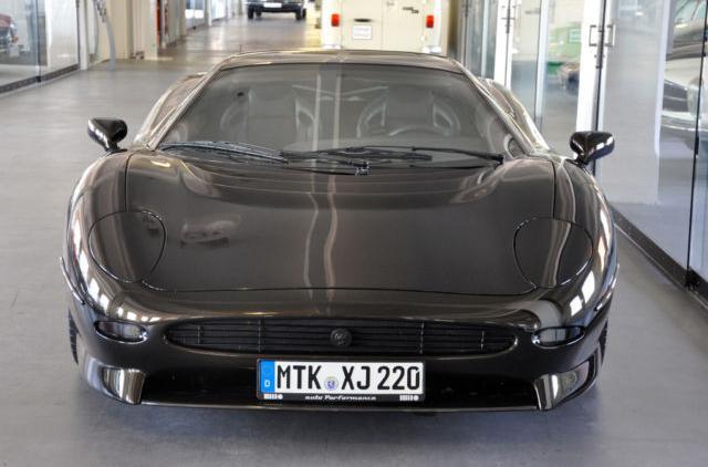 A la venta el Jaguar XJ220 preparado por Overdrive 1