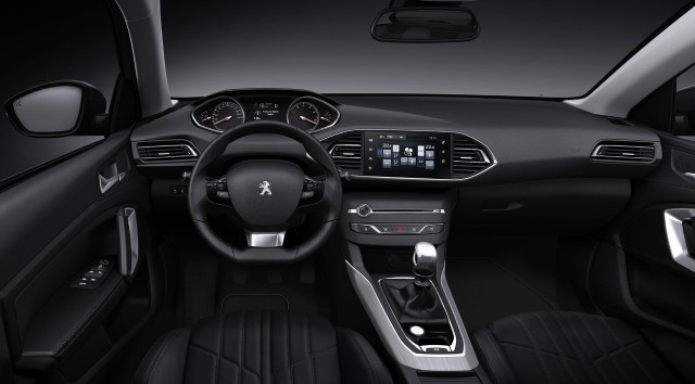 ¿Llegará el Peugeot 308 Sedán al mercado español? 2