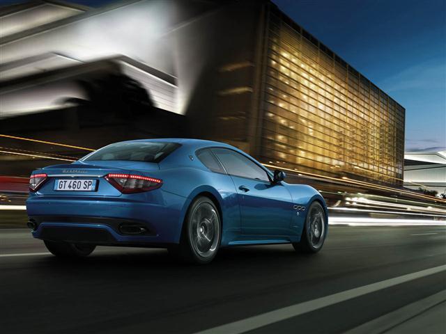 2013-Maserati-GranTurismo-Sport-Rear-Angle