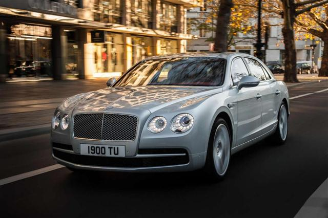 Bentley añade el V8 Twin Turbo al Flying Spur 2