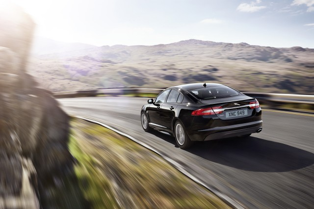 Jaguar lanza el XF R-Sport 2