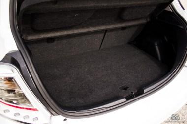 Prueba: Toyota Yaris 100 SoHo MultiDrive (equipamiento, comportamiento, conclusión)