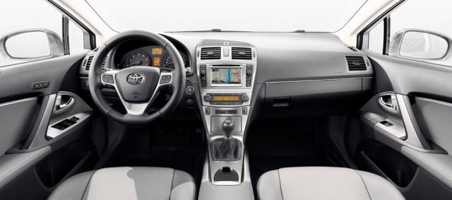 Toyota Avensis 2014: Desde 19.641 euros 2