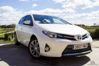 Prueba: Toyota Auris HSD híbrido (equipamiento, comportamiento, conclusión)