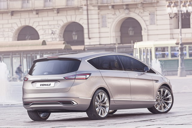 Ford da un nuevo paso hacia el mercado premium con el S-MAX Vignale 2