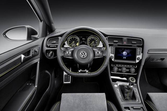 Agárrate a la silla: El Volkswagen Golf R400 de producción tendrá más caballos de los previstos 1