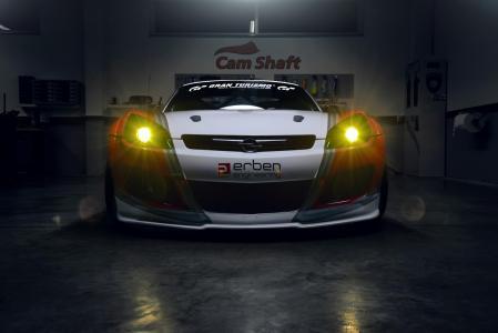 Madchen-Motoren-Opel-GT-3