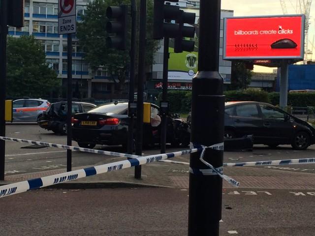 Destrozan un BMW M4 en las calles de Londres 2