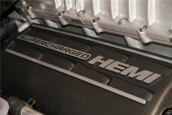 Venden la primera unidad del Dodge Challenger SRT Hellcat por 650.000 euros