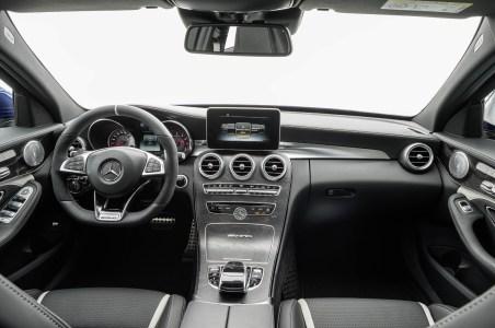 Mercedes-C63-AMG-39
