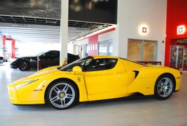 A la venta un Ferrari Enzo con 3.500 km