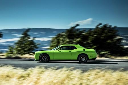 2015-Dodge-Challenger-17
