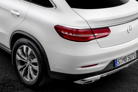 2016-Mercedes-Benz-GLE-Coupe-23