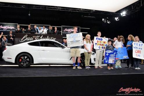 Subastan por 1 millón de dólares el primer Shelby GT350R