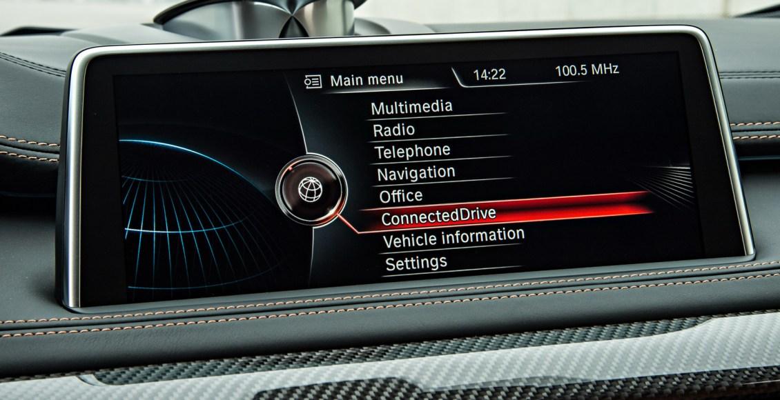 2015-BMW-X6M-135