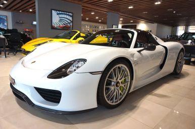 A la venta un impresionante Porsche 918 Spyder de color blanco