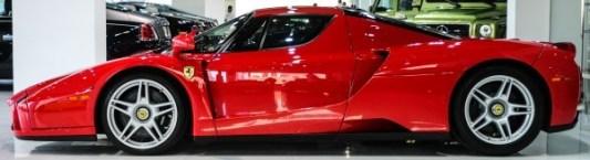 A la venta un Ferrari Enzo en Dubai