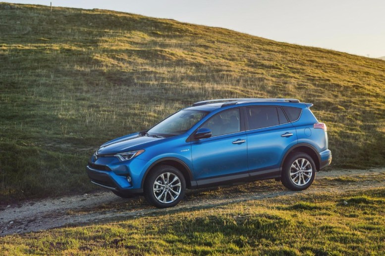 Toyota RAV4 Hybrid: Llega la variante híbrida y una renovación estética
