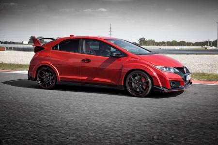 2015-Honda-Civic-Type-R-12