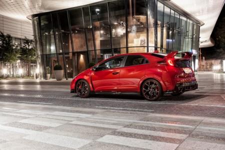 2015-Honda-Civic-Type-R-17