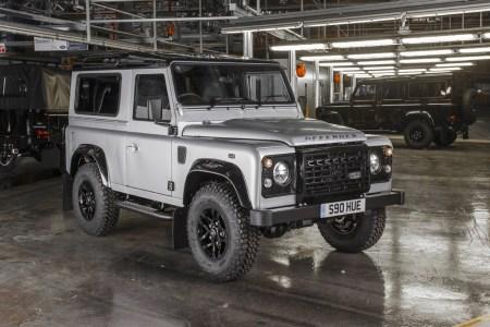 Land-Rover-Defender-2000000-1