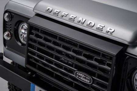 Land-Rover-Defender-2000000-13