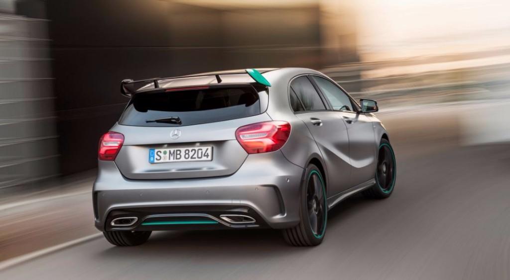Mercedes introduce el Clase A 2016: El compacto premium actualiza su estética 3