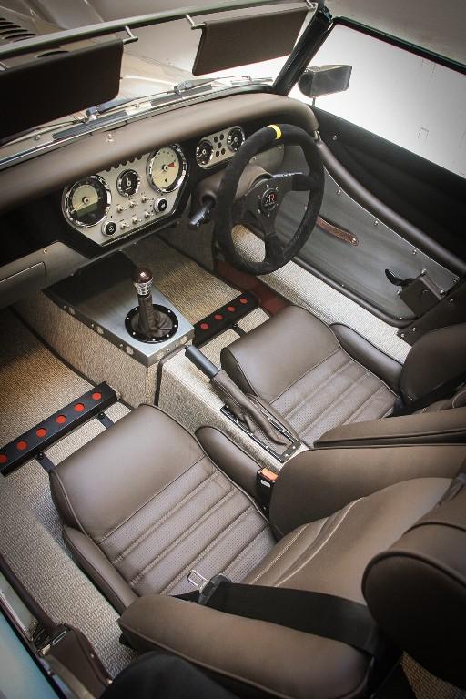 Morgan AR Plus 4: Ahora con motor Cosworth de 225 CV, celebrando el 65 aniversario 3