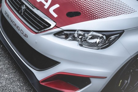 peugeot-308-racing-cup-turns-on-the-horsepower-tap-in-frankfurt-with-16-liter-turbo-mill_7