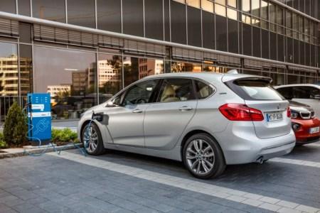 BMW 225xe: Llega el Active Tourer híbrido y enchufable