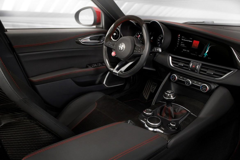 Alfa Romeo presenta el Giulia americano en Los Ángeles 3