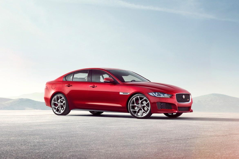 El Jaguar XE recibe tracción total AWD: Las condiciones climatológicas ya no son un problema 1