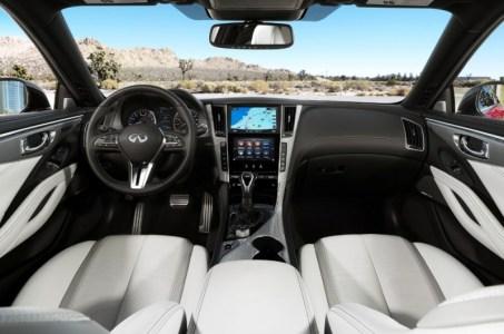 2017-Infiniti-Q60-Coupe-11