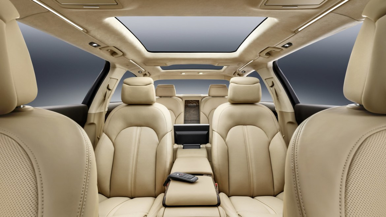 Audi A8 L Extended: Con seis metros de longitud y... ¡seis puertas! 4
