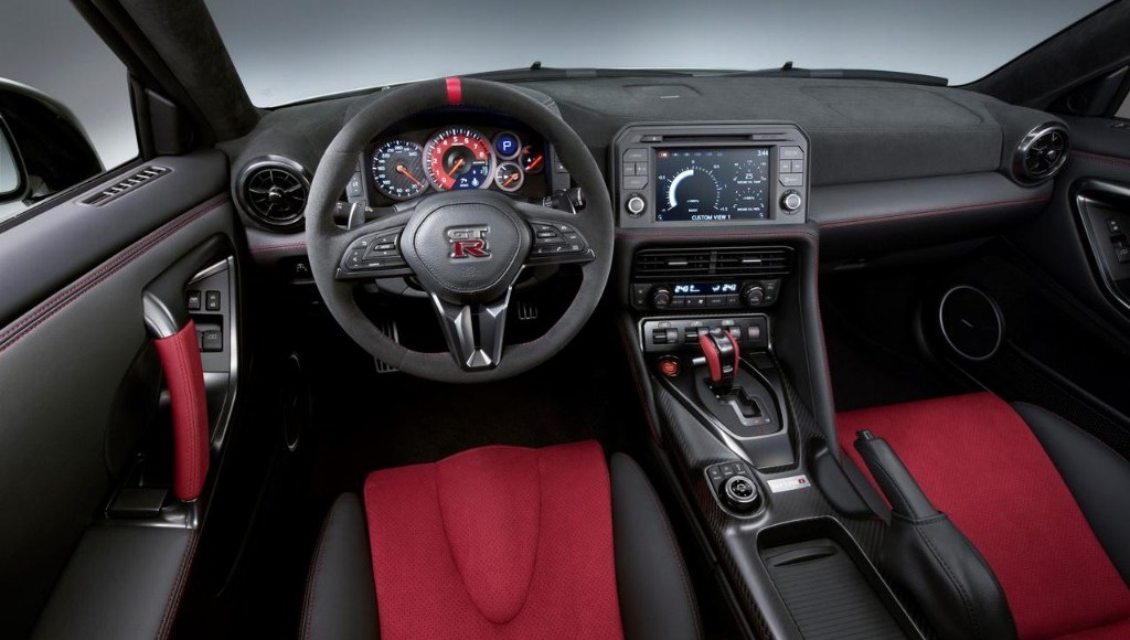 Nissan GT-R NISMO 2017: El margen de mejora todavía existía y llega con 600 CV 2