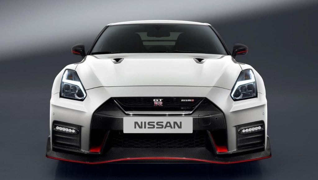 Nissan GT-R NISMO 2017: El margen de mejora todavía existía y llega con 600 CV 5