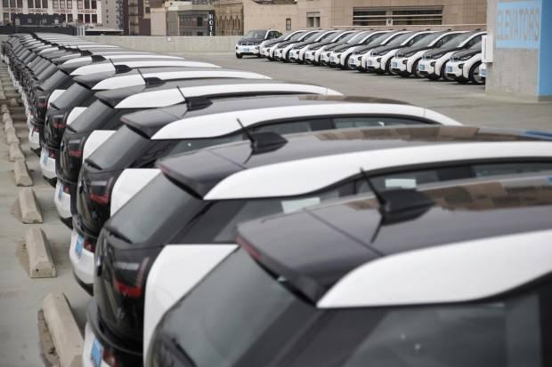 BMW suministra 100 i3 a la policía de Los Ángeles: La firma bávara la gana la batalla al Model S 2